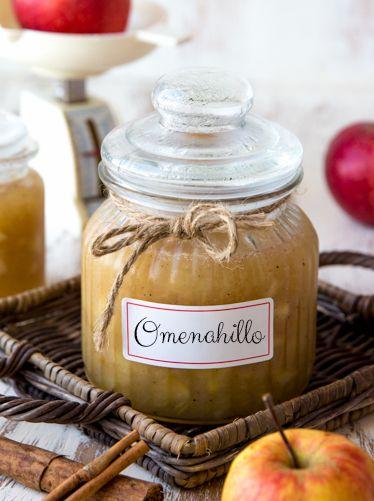 Kanelilla ja muskottipähkinällä maustettu omenahillo säilöö omenasadon hedelmät…