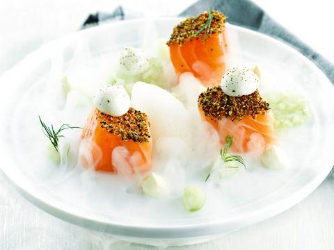 Een gedurfde combinatie van kruidige vis met sorbet en meringue