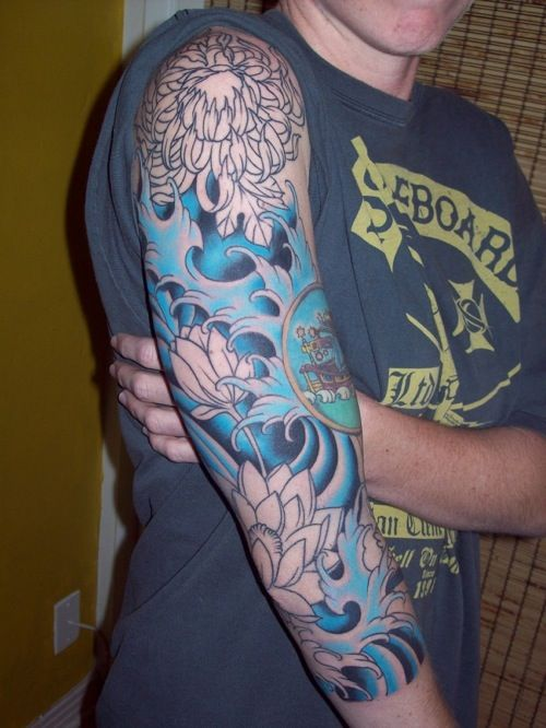 Japanese Wave Tattoo | japanese wave tattoo sleeve via dani 9 to 5- This is gorgeous, the blues are fantastic!