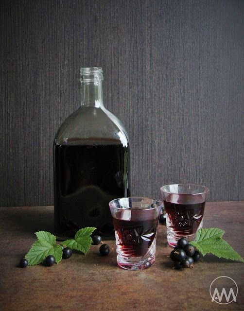 Likér z višní a černého rybízu ( griotka )
