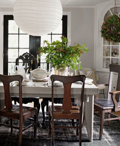 Here s The Secret To Decorating With Vintage Items  Room SetupDining. 195 best Dining Rooms images on Pinterest   House interiors