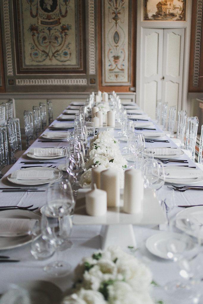 Tavolo Imperiale Con Centrotavola Fiori Bianchi Elegante Nel 2020 Peonie Centrotavola Centrotavola Semplici Centrotavola