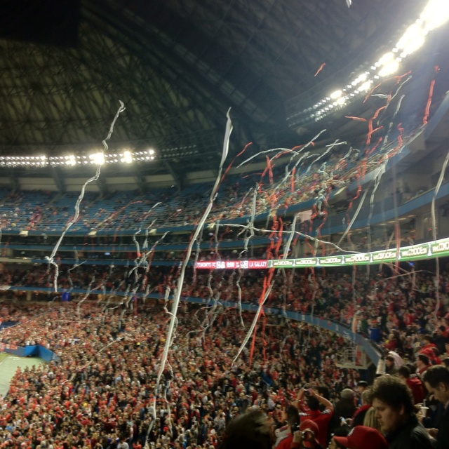 TFC and the galaxy at Rogers centre