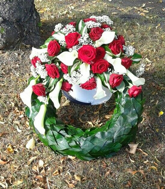 Muisto seppele Kukka ja sidonta Villi-Ruusu
