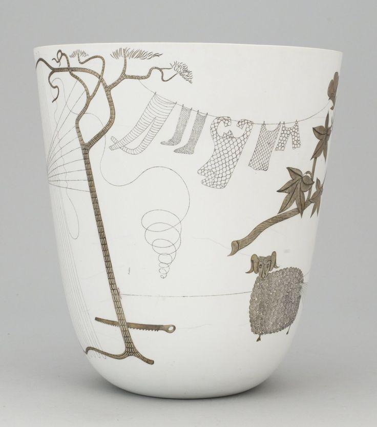 STIG LINDBERG, vase, Grazia, Gustavsberg via More: http://yama-bato.tumblr.com/tagged/Stig-Lindberg