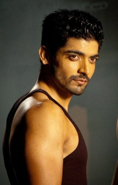 Your very own heart throb Yash from Punar Vivaah (Sat - Wed @ 11PM UAE)