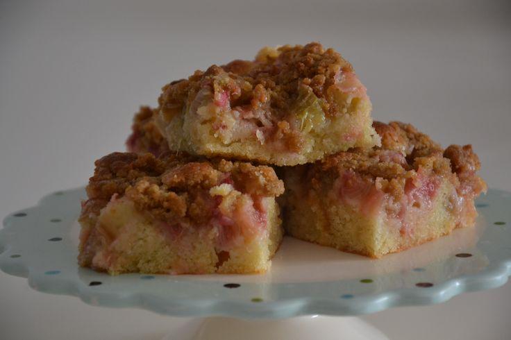 Rabarberkage med sprød crumble