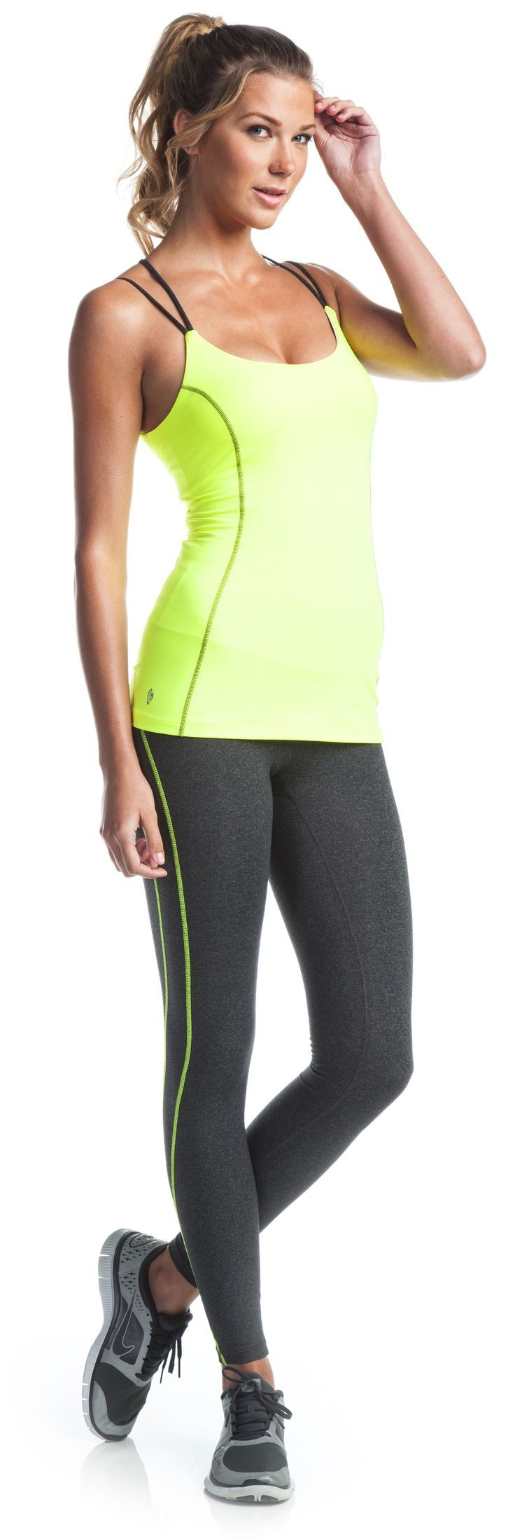 22 Yoga Outfits For Women