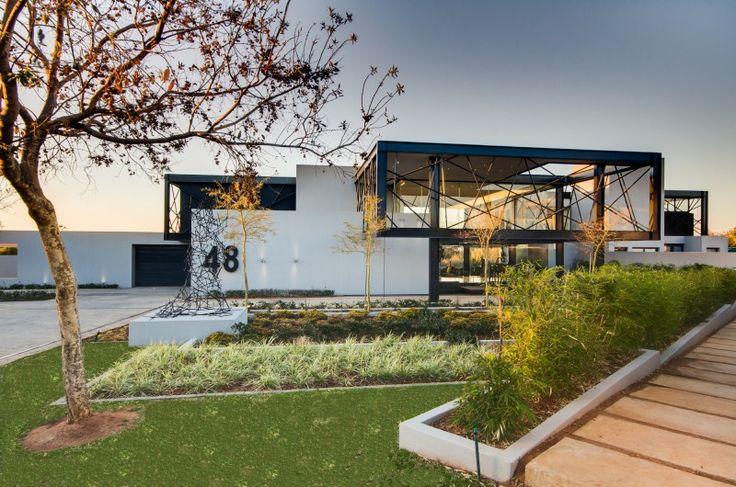 Delightful House Ber by Nico van der Meulen Architects