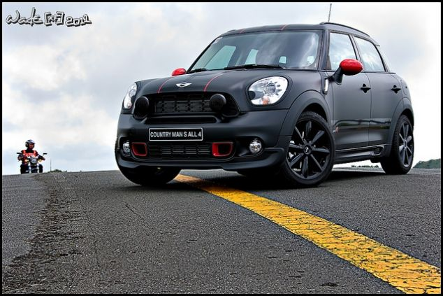 Think this is gonna be my next car. Mini Cooper S Countryman.