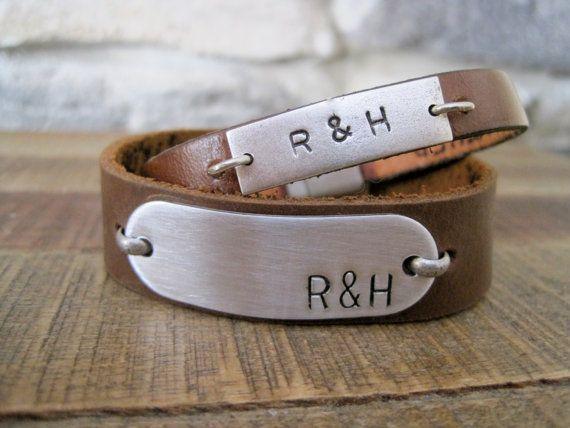 Parejas personalizado mensaje oculto personalizado de cuero pulseras