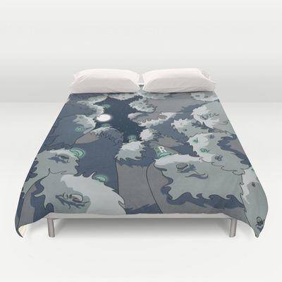 Perfecto for sleeping : http://society6.com/carrillo/night-mountains-f6o_duvet-cover#46=342