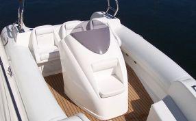 Aquaflyte with Flexiteek decking