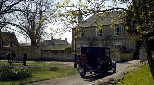 http://britmovietours.com/bookings/downton-abbey-tour-film-locations/