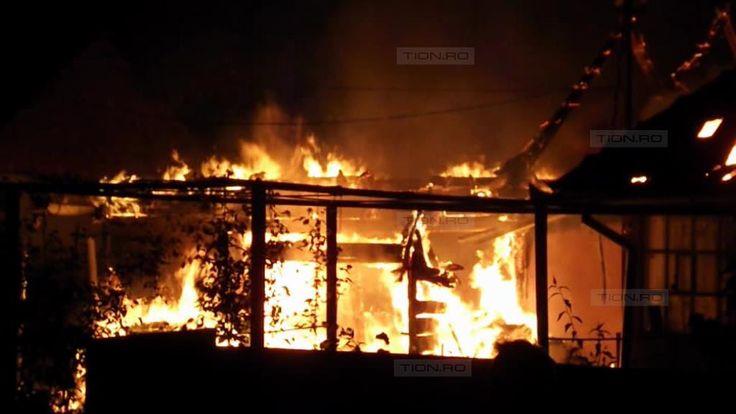 O familie din Ghiroda, la un pas sa isi piarda viata intr-un incendiu devastator