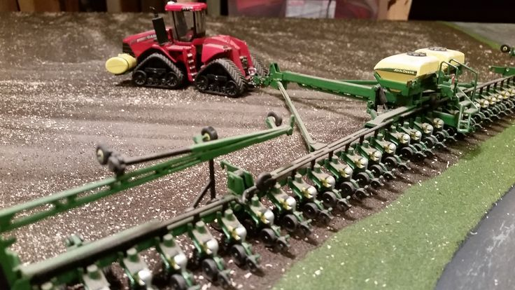 Model Farm Monday Week 180   Customs & Display Journals ®   Toy Talk   The Toy Tractor Times Online Magazine