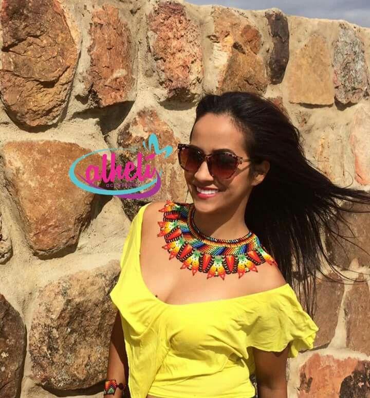 tejidos % a ✋...MAGIA Y COLOR HECHO CON AMOR ...envíogratis a todo el país  ✈3132954198 #mostacilla #accesorios #color #atrapasueños #aretes #maxiaretes #hechoamano #arte #moda #embera #collares #bucaramanga #chami #visteconarte #visteconamor