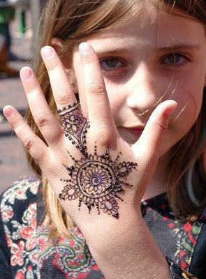 Latest Mehndi/Henna designs For Kids
