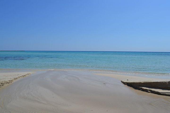 Oggi vogliamo augurarvi buona giornata dal mare del litorale jonico tarantino, dalle parti delle marine di Pulsano: venite a mettere i piedi in acqua con noi?  http://www.viaggiareinpuglia.it/at/60/localitaturistica/131/it/Marina-di-Pulsano #WeAreinPuglia