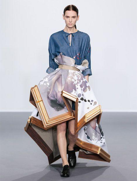 Défilé de haute-couture automne 2015 par les néerlandais de Viktor & Rolf. //design de mode //détournement de cadre