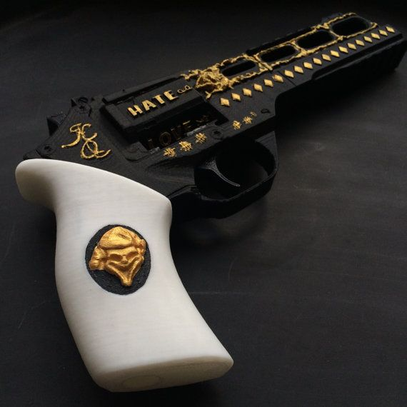 Harley Quinn's Revolver from Suicide Squad 3D by Printelier