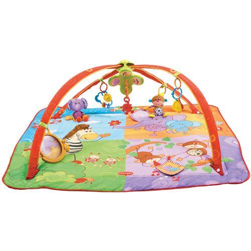 Ce tapis d'éveil évolutif modulable s'adapte aux différents stades de développement de votre bébé, de sa naissance à ses 2 ans. Les rebords se replient et offrent un espace cocon à votre tout-petit. Les deux arches coulissent l'une sur l'autre permettant de varier les configurations et donc les découvertes de bébé. Les jouets glissent le long des arches et restent toujours accessibles. La richesse des éléments d'éveil en font un tapis complet sur lequel votre enfant jouera longtemps.