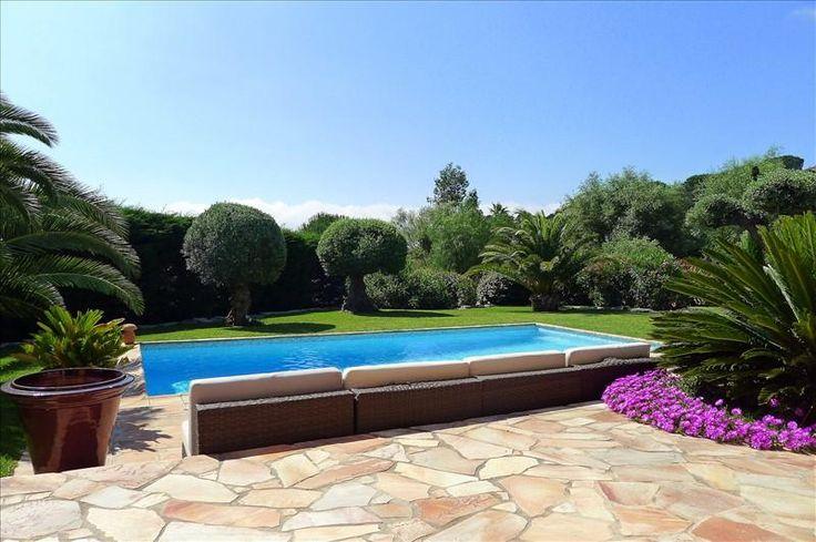 Schöne Villa mit Studio und einem traumhaften Garten #St_Maxime  Innerhalb einer ruhigen und sicheren Domäne in der Nähe der Strände finden Sie diese schöne Villa.   Sie liegt auf einem nichteinsehbaren flachen Gelände http://aiximmo.ch/de/listing/schone-villa-mit-studio-und-einem-traumhaften-garten/  #frenchriviera #cotedazur #mallorca #marbella #sainttropez #sttropez #nice #cannes #antibes #montecarlo #estate #luxe #provence #immobilier #luxury #france #spain #mo