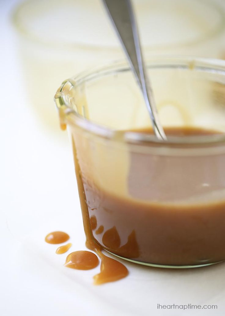 Homemade salted caramel sauce -a classic recipe with delicious flavor. Only 4 ingredients to make and done in 15 minutes.
