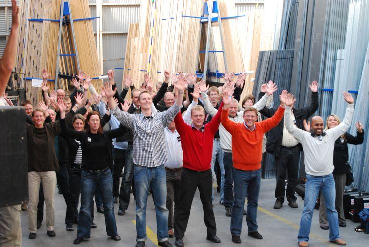Die Richtung, der Fokus und der Gruppeneffekt sich gemeinsam, in einer Schar, zu bewegen. Gute Ergänzung zum Workshop-Arbeiten im Sitzen.