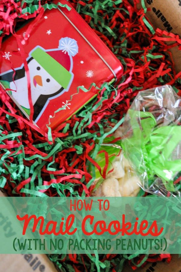Ever try to send cookies to a friend and they arrived all yucky and smushed? Christmas cookies can be a pain to ship, but there's no reason not to send them-- these tricks will get you packing cookies like a pro in time for the holidays! | cookie idea | christmas idea | care package for college | shipping and mail | holiday idea |