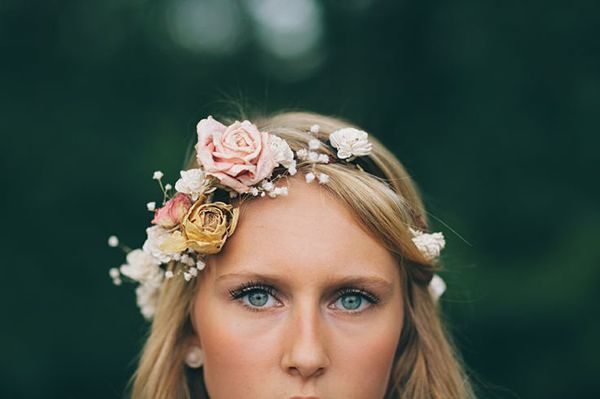 Natural and pretty makeup to go with a flower crown!