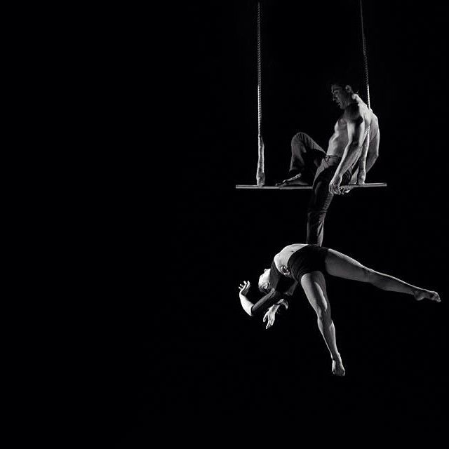 Elle et Lui! The great trapeze duo I met at Newcommershow. With Anouk and Guillaume. Such a great act. Enjoy