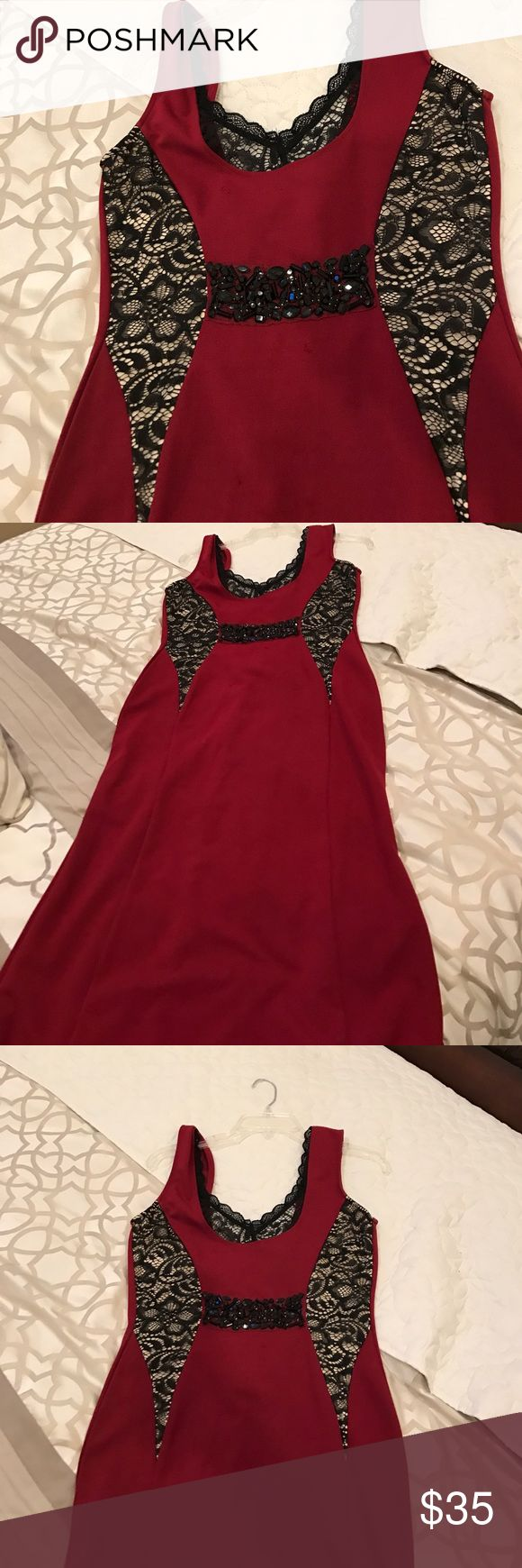 Beautiful Windsor dress Gorgeous Windsor dress worn only once!!! Very unique and elegant WINDSOR Dresses Prom
