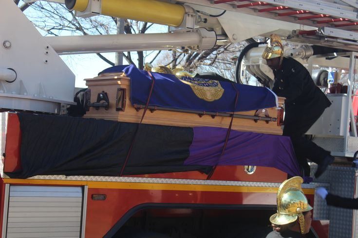 Family, friends say last goodbyes to Oom Martiens | Kempton Express