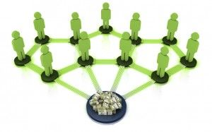 Ces tableaux comparent les caractéristiques des réseaux de trading social et des plateformes de trading miroir.