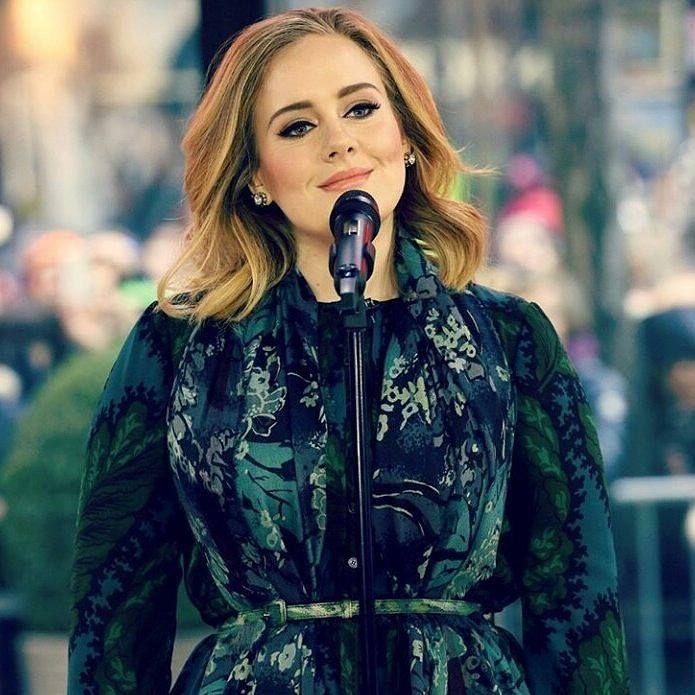Foi confirmado que em abril de 2017 Adele estará no Brasil. Rio de Janeiro e São Paulo estão confirmados na agenda 2017 da artista. @olhardemahel @adele #show #2017 #news #instagram #olhardemahel #ficaadica #instanews #facebook #pinterest #fpolhares #adele #goodnews #riodejaneiro #saopaulo http://ift.tt/29ITZox