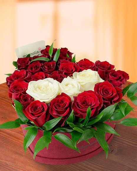 Aranjament cu trandafiri in forma de inima