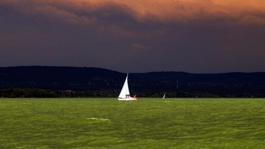 Az ezerszínű Balaton