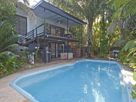 Darwin tropical elevated home northern territory for Tropical elevated house designs