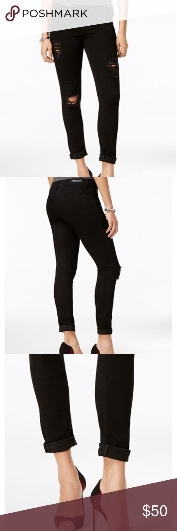 New Articles of society ripped skinny jeans Distressed skinny jeans  Black Supper comfortable  Mid rise  Skinny leg  Skinny fit Size 27 New without tags Articles Of Society Jeans Skinny