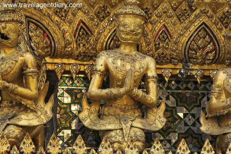 The history behind the Ramakien is an interesting one. #grandpalace #temples #bangkok #thailand #gold #ramakien