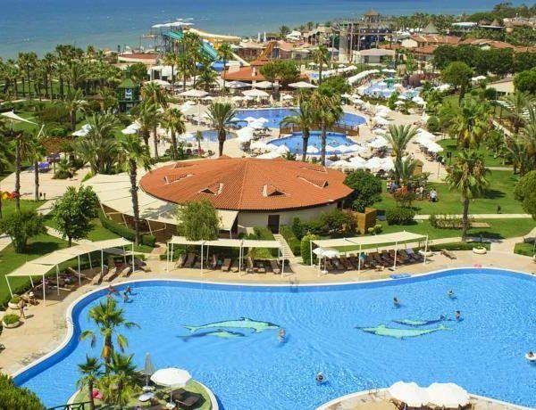 Отель Bellis Deluxe расположен на большой территории в окружении сосновых деревьев, в городе Белек. К услугам гостей отеля Bellis Deluxe предоставлен частный пляж на берегу Средиземного моря, 5 открытых бассейнов, аквапарк и крытый бассейн. После тренировки в фитнес-центре можно расслабиться в турецкой бане или сауне.