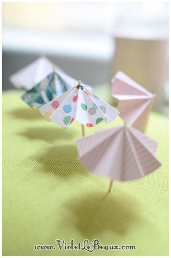 Easy DIY paper parasols or umbrellas. Nice for summer drinks, ice cream or cupcakes. Parapluutjes!