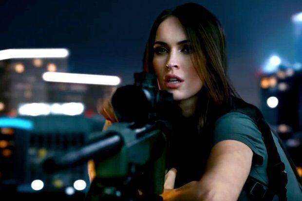 Megan Fox, son Call of Duty: Ghosts reklam filminde gözü kara bir keskin nişancı olarak karşımıza çıkıyor
