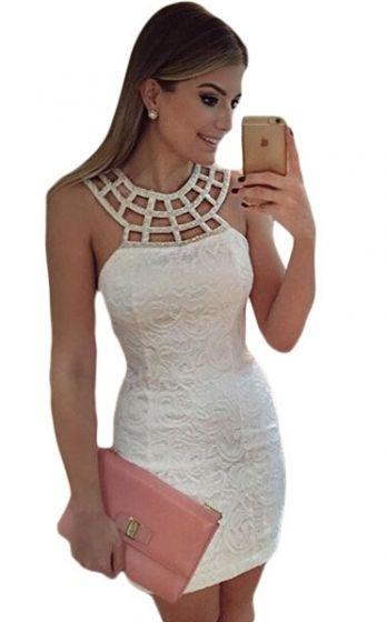 Koronkowa biała sukienka z koralikowym dekoltem. Białe koronkowe sukienki