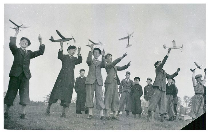 Vintage photo of Public Schools model airplane contest at Gärdet