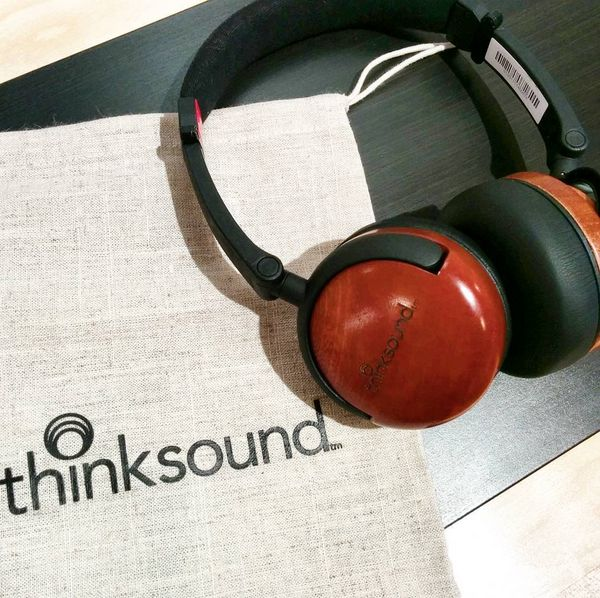 Thinksound on1 Monitor.   Visit experienceheadphones.com to find fashionable and exclusive headphones that match your unique style!  FREE WORLDWIDE SHIPPING.