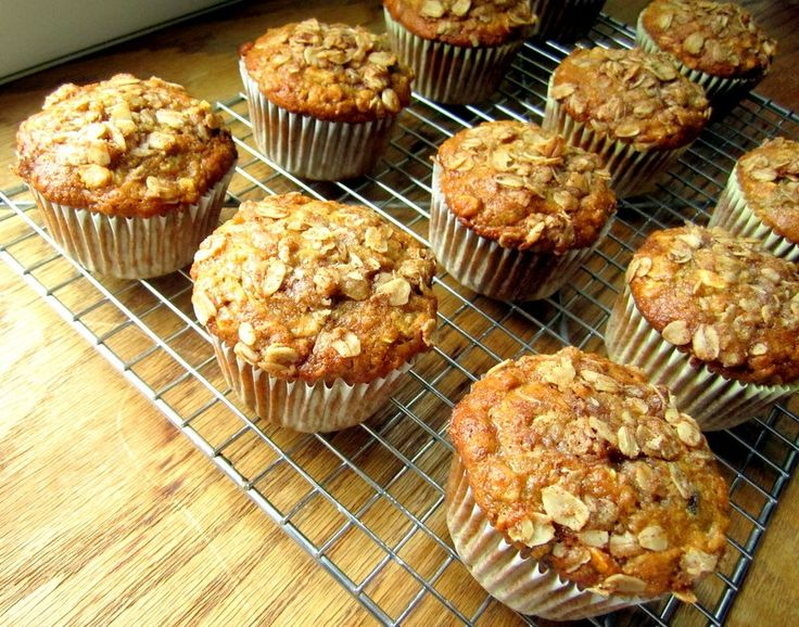 oatmeal raisin banana muffins-makin these right now with less sugar, no streudel, but adding coconut. yum.