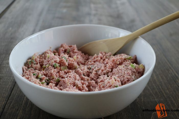 Cooked Ground Ham – It is a ham recipe which is spicy that can be served as a filling for your burger or as a spread for your bread. #ham     RECIPE : http://www.allfoodsrecipes.com/recipe/cooked-ground-ham/