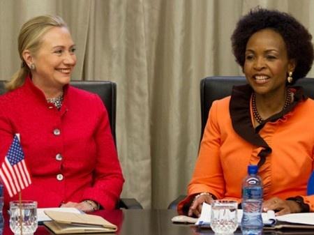 Le pays de Nelson Mandela a de grandes ambitions dans le domaine de l'énergie en général et de des énergies vertes en particulier. L'objectif du Gouvernement est de produire 3725 MW d'électricité à partir des énergies renouvelables.Il multiple donc les partenariats avec les pays étrangers. Après la Chine, qui est devenue son premier partenaire commercial, c'est autour des Etats-Unis de s'impliquer dans le green business en Afrique du Sud. Lors de la visite de la Secrétaire d'Etat Hilary…
